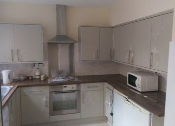 Thumbnail 5 bedroom terraced house to rent in Dunlop Avenue, Lenton, Nottingham