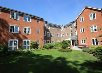 Thumbnail 2 bedroom flat for sale in Southdown Road, Harpenden, Hertfordshire