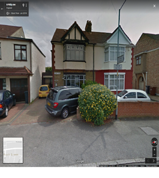 Thumbnail 1 bed flat to rent in Philip Ave, Romford