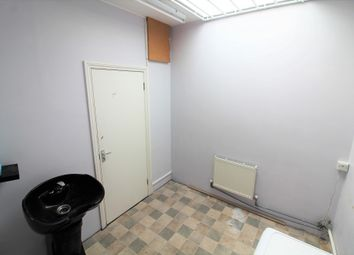 Thumbnail Commercial property to let in Queen Annes Place, Enfield, Middlesex EN12Qb