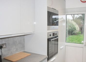 Thumbnail Room to rent in Queen Mary Avenue, Morden