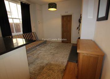 Thumbnail 2 bed flat to rent in Valetta Road, Acton