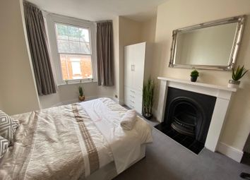 Thumbnail Room to rent in Victoria Road, Town Centre