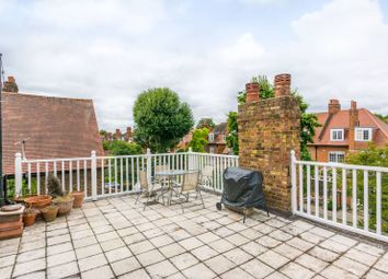 Thumbnail 1 bed flat to rent in The Avenue, Bedford Park, London