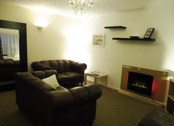 2 bed flat to rent in Fairclough Grove, Ovenden, Halifax HX3