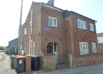 Thumbnail 2 bed flat to rent in Vandyke Road, Leighton Buzzard, Bedfordshire