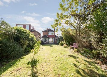 Fountains Crescent, London N14. 3 bed detached house