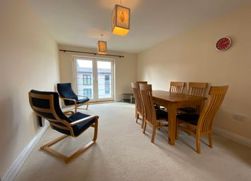 2 bed flat to rent in Holly Court, Swindon SN1