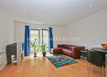 2 bed flat to rent in Salmon Lane, London E14