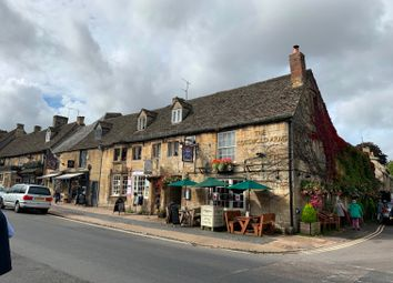 Thumbnail Pub/bar for sale in High Street, Oxfordshire: Burford