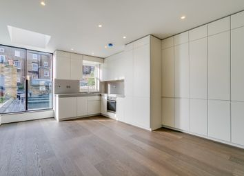 Thumbnail 2 bed flat to rent in Gilston Road, London