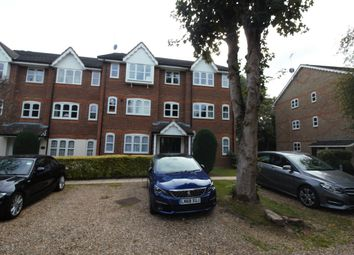 Thumbnail 2 bed flat to rent in Foxlands Close, Leavesden, Watford