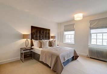 Thumbnail 2 bed property to rent in Fulham Road, London