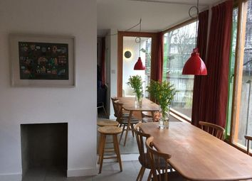 Thumbnail 4 bed flat to rent in Varden Street, Commercial Road, London