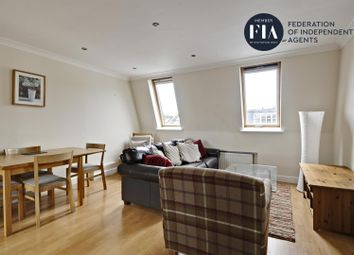 3 bed flat to rent in Cortayne Road, London SW6