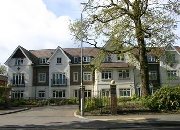 Thumbnail 2 bed flat to rent in Station Road, Beaconsfield