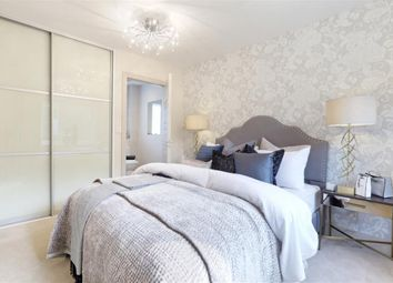 4 bed detached house for sale in Gratton Chase, Dunsfold, Godalming, Surrey GU8