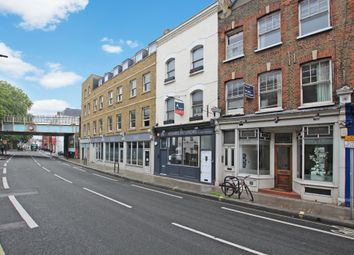 Thumbnail 4 bed flat to rent in New Kings Road, London