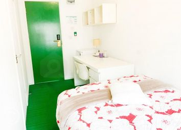 Room to rent in 24-28Crendon Street, High Wycombe, Buckinghamshire HP13