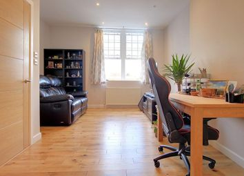 Thumbnail 1 bed flat to rent in Mulberry House, Whitchurch Road, Pangbourne, Reading