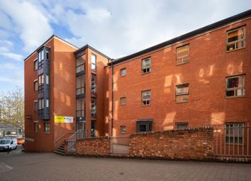 Thumbnail 6 bed flat to rent in Malin Hill, Nottingham