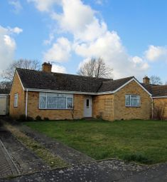 Thumbnail 3 bed bungalow for sale in Links Road, Kennington
