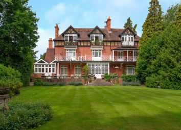 2 bed flat for sale in Court Road, Maidenhead SL6