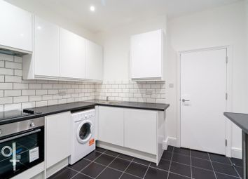 Thumbnail 5 bed flat to rent in Hilldrop Road, London