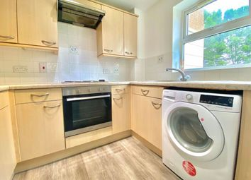 Thumbnail 1 bed flat to rent in Pickfords Gardens, Slough