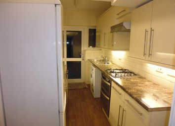 Thumbnail 4 bed flat to rent in Thomas Baines Road, Clapham Junction, Battersea