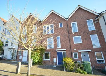 Thumbnail 4 bed town house to rent in Risinghurst Mews, Basingstoke