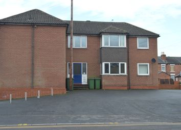 Thumbnail 1 bed flat to rent in Brooks Bank, Wakefield