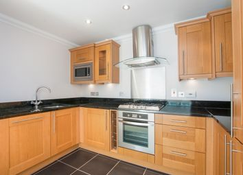 Thumbnail 2 bed flat to rent in Hillcrest, Forest Road, Bracknell