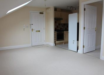 Thumbnail 1 bedroom flat to rent in St. Saviours Crescent, Luton