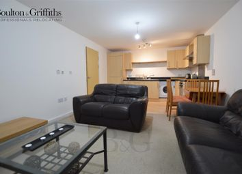 2 bed flat to rent in Overstone Court, Cardiff CF10