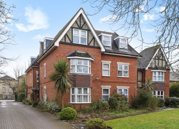 Thumbnail 2 bed flat to rent in 142 Alexandra Road, Farnborough