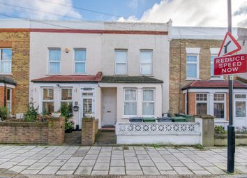 Thumbnail Studio to rent in Colmer Road, London