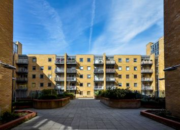 Thumbnail 1 bed flat to rent in Cassilis Road, Canary Wharf