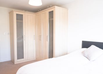 Room to rent in Westferry Road, Canary Wharf E14