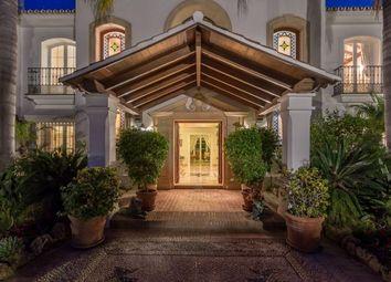 Thumbnail 5 bed villa for sale in Spain, Málaga, Marbella, Bahía De Marbella