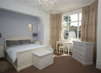 Thumbnail 2 bed flat to rent in Nower Hill, Pinner