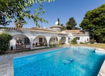 Thumbnail 5 bed villa for sale in Spain, Andalucia, San Pedro De Alcántara, Ww875