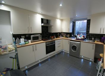 Thumbnail 5 bed terraced house to rent in Hessle View, Hyde Park, Leeds