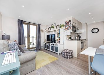 Thumbnail 1 bed flat for sale in 819 London Road, Sutton