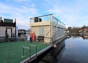 Banks End, Wyton, Huntingdon PE28. 2 bed houseboat for sale