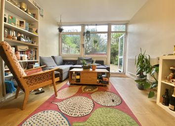 3 bed flat for sale in Kirton Gardens, London E2