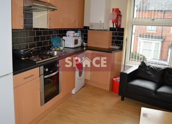 Thumbnail 3 bed flat to rent in Hyde Park Road, Leeds