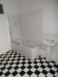 Thumbnail 3 bed flat to rent in North Parade, City Centre