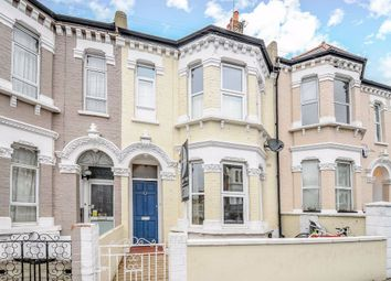 Thumbnail Flat to rent in Swaffield Road, London