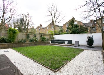 Thumbnail 3 bedroom flat to rent in Bedford Hill, London